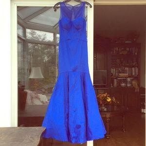 Brilliant blue Trumpet/Mermaid style dress